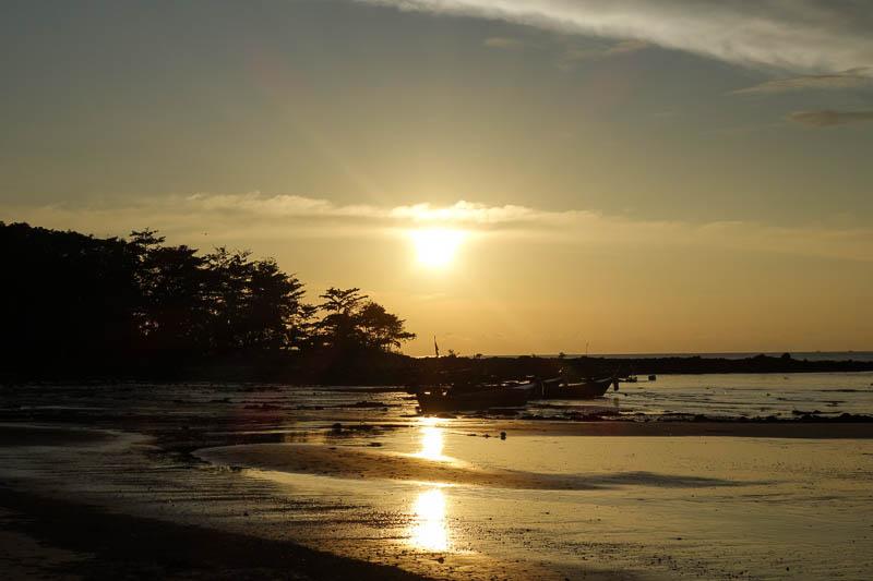 Solnedgång över Klong dao januari 2017
