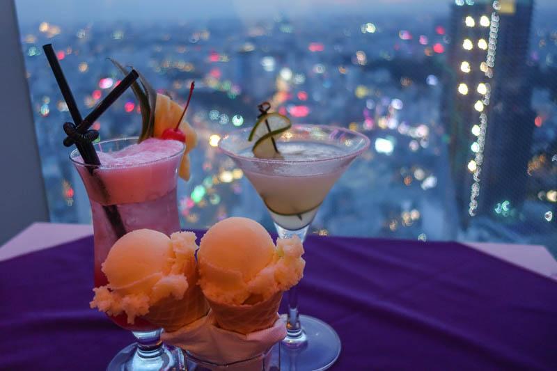 Goda drinkar och god glass avnjutes helst på hög höjd.