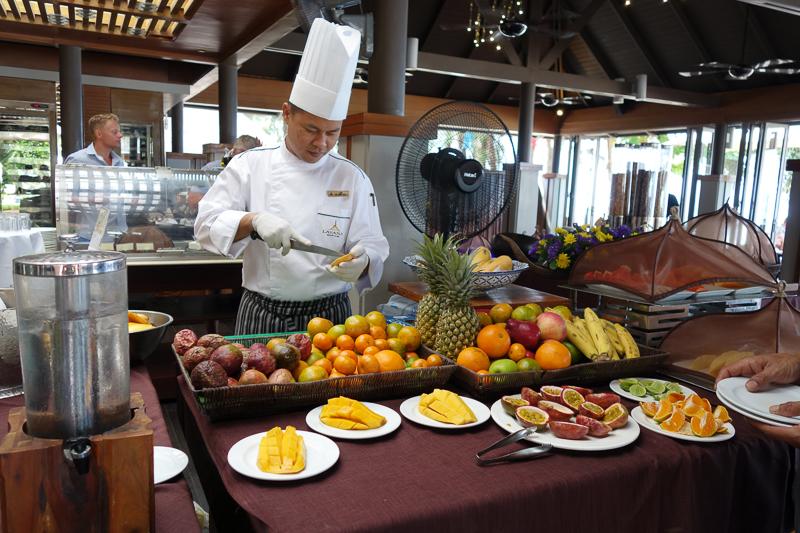 Fruktbordet på Layanas frukostbuffé
