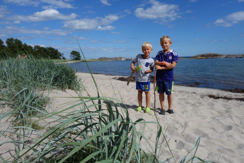 Härliga sandstränder finns på flera ställen på ön.